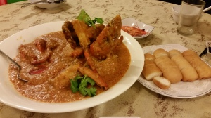 Famous Chili Crab with Fried Chinese Bread (Zha Ying Si Juan)