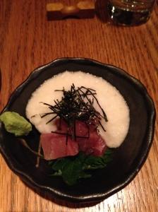 Maguro yamakake: sashimi tuna with mountain yam